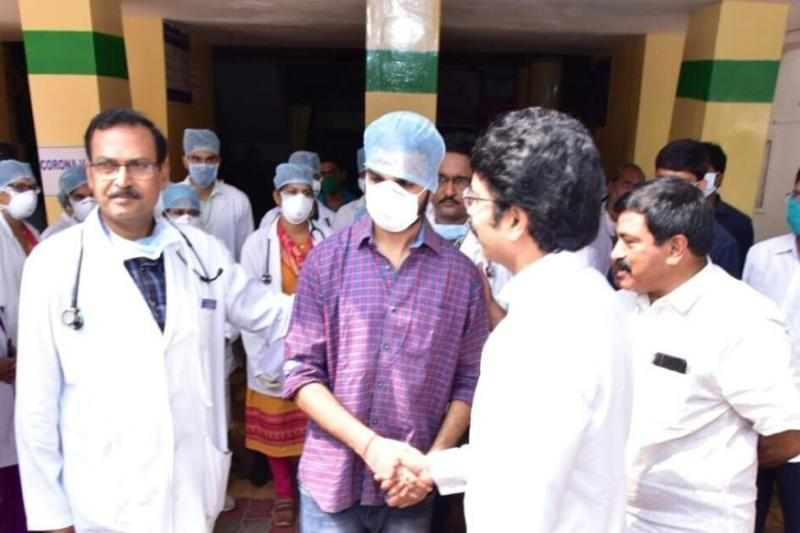 'My Saviours Wore Masks, Never Saw Their Faces': Andhra Pradesh's Second Discharged Covid-19 Patient Can't Thank His Doctors Enough