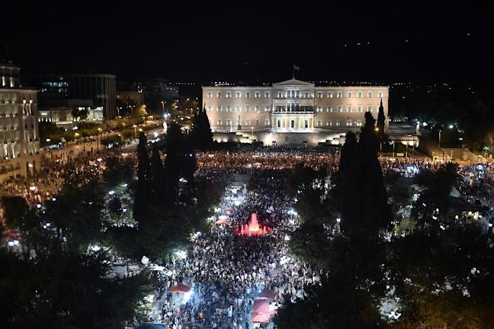 Greeks gather in front of the parliament in Athens on July 5, 2015, after results showed the No vote had won the crucial bailout referendum (AFP Photo/Aris Messinis)