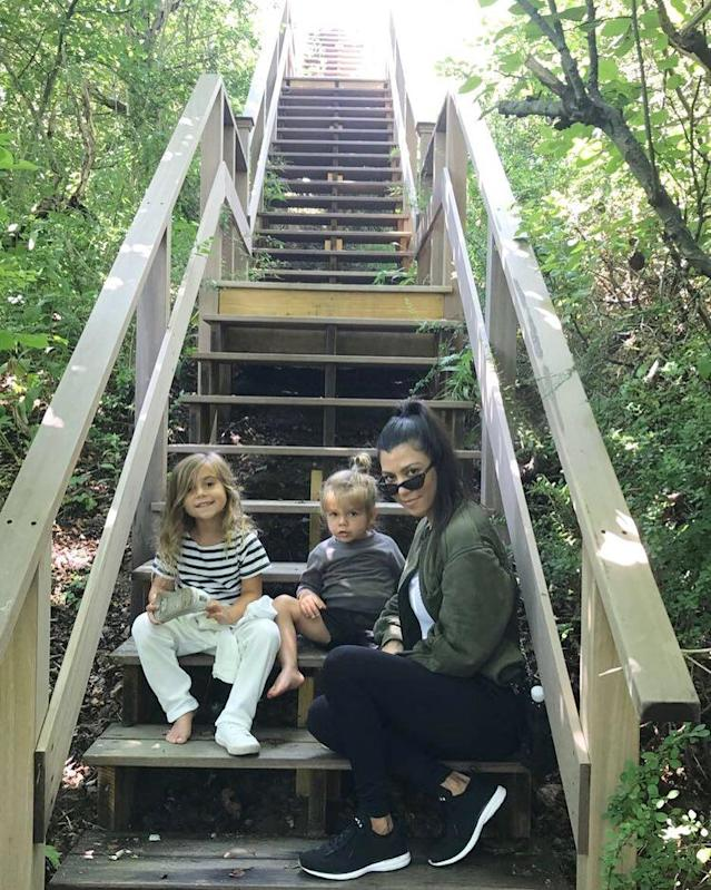 "<p>No fancy elevators here! Just a mama and her babes snapping a pic for memories. (Photo: <a href=""https://www.instagram.com/p/BWu_t-rDNj2/?hl=en&taken-by=kourtneykardash"" rel=""nofollow noopener"" target=""_blank"" data-ylk=""slk:Kourtney Kardashian via Instagram"" class=""link rapid-noclick-resp"">Kourtney Kardashian via Instagram</a>)<br><br></p>"