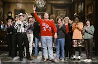 <p>Musical guest Brooks takes the <em>Saturday Night Live</em> stage with John Goodman, Mike Myers, Ellen Cleghorne, Julia Sweeney and more in 1992.</p>