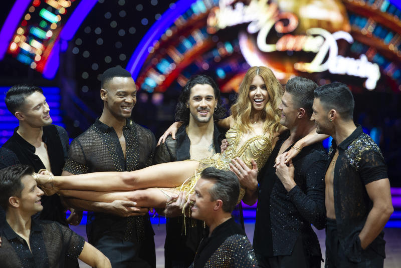 BIRMINGHAM, ENGLAND - JANUARY 17: Stacey Dooley, Joe Sugg, Graeme Swann, Aljaz Skorjanec, Pasha Kovalev, AJ Pritchard, Giovanni Pernice, Graziano Di Prima and Johannes Radebe attend the photocall for the 'Strictly Come Dancing' live tour at Arena Birmingham on January 17, 2019 in Birmingham, England. (Photo by Katja Ogrin/Getty Images)