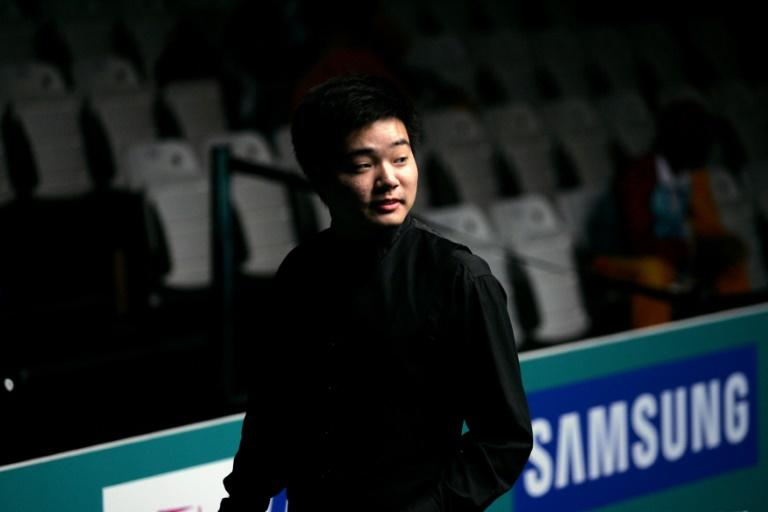Ding Jinhui, seen in 2006, had looked flat during the session earlier on Friday seeing his overnight lead, in the best of 33-frame duel, of 5-3 turned round to a 9-6 advantage for defending champion Mark Selby