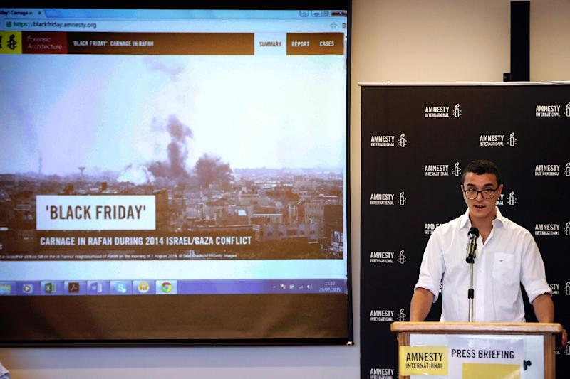 Amnesty International researcher Saleh Hijazi talks to journalists during a press briefing in Jerusalem on July 29, 2015 (AFP Photo/Thomas Coex)