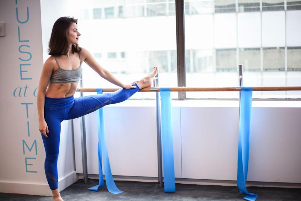 """<h2>Physique 57 Gift Card</h2><br>The ultimate barre class — infused with cardio and strengthening is on-demand and available for gifting. Send a membership (spanning from 1-month to 6) right to their virtual doorstep. <br><br><em>Shop <strong><a href=""""https://fave.co/39KWEwx"""" rel=""""nofollow noopener"""" target=""""_blank"""" data-ylk=""""slk:Physique 57"""" class=""""link rapid-noclick-resp"""">Physique 57</a></strong></em><br><br><strong>Physique 57</strong> Physique 57 On-Demand Membership, $, available at <a href=""""https://go.skimresources.com/?id=30283X879131&url=https%3A%2F%2Ffave.co%2F39KWEwx"""" rel=""""nofollow noopener"""" target=""""_blank"""" data-ylk=""""slk:Physique 57"""" class=""""link rapid-noclick-resp"""">Physique 57</a>"""