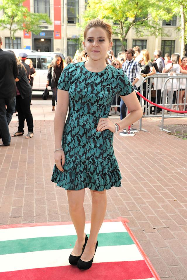 """BEST: """"Parenthood"""" star Mae Whitman also looked gorgeous at the """"Perks of Being a Wallflower"""" premiere in a green Opening Ceremony dress. Where can we get it?"""
