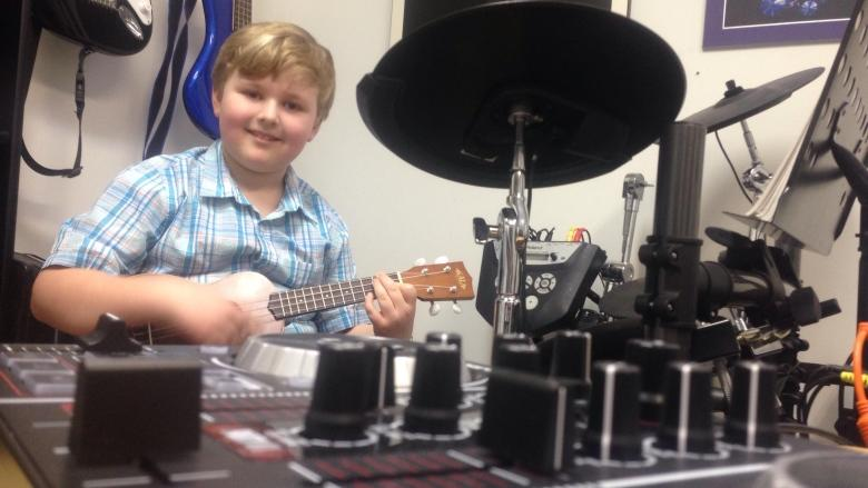 Meet an 8-year-old boy who has already recorded 7 albums