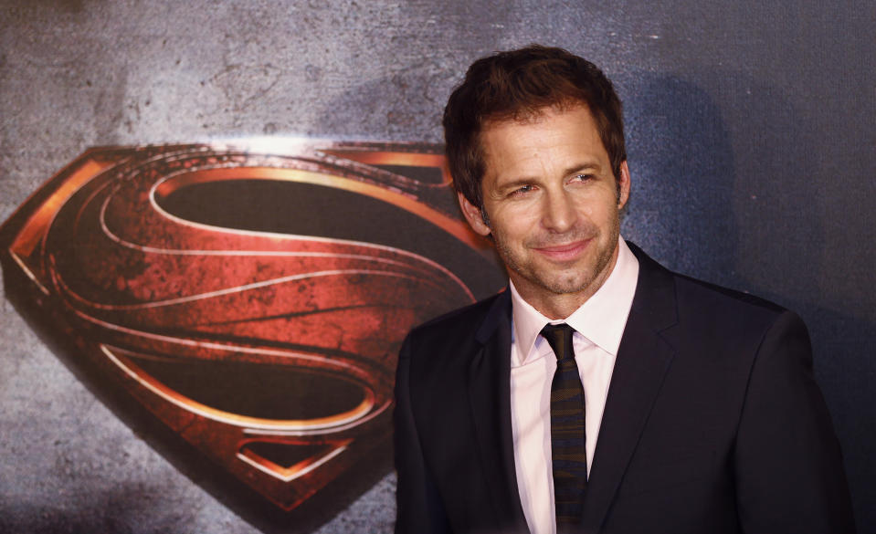 "Director Zack Snyder poses for pictures after his arrival to the Australian premiere of ""Man of Steel"" in central Sydney June 24, 2013. REUTERS/Daniel Munoz (AUSTRALIA - Tags: ENTERTAINMENT)"