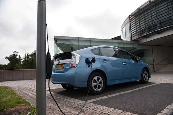 Electric cars failing to spark interest