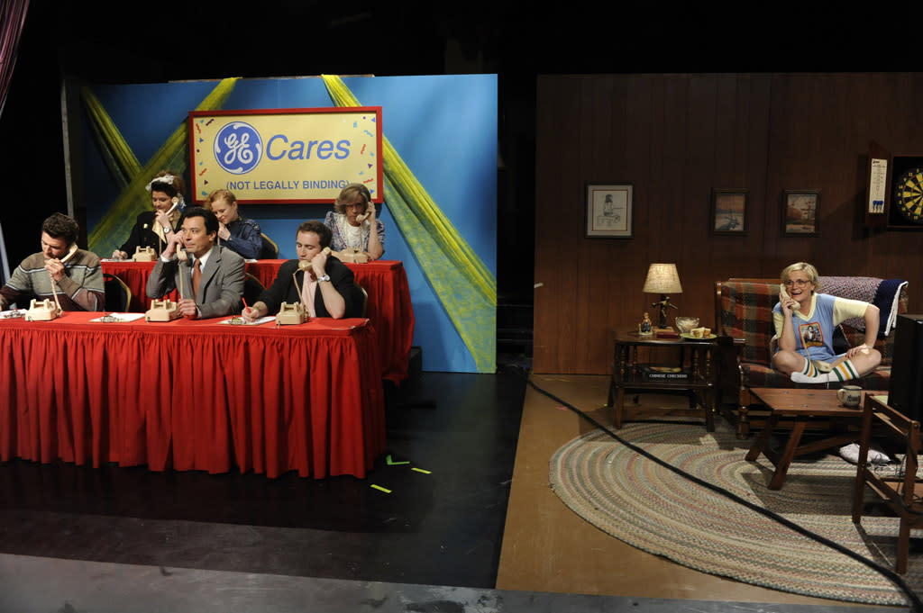 "Jimmy Fallon, Fred Armisen, and Amy Poehler as Teenage Liz Lemon in the ""Live from Studio 6H"" episode of ""<a href=""http://tv.yahoo.com/30-rock/show/37064"">30 Rock</a>."""