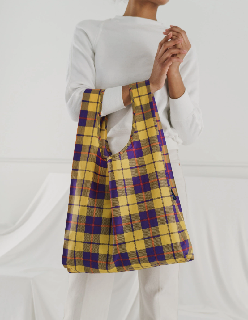 """<h3><h2>Antidote</h2></h3><br>This Miami-based e-tailer specializes in sustainably-minded indie designers, and our editors flock to the curated site for eco-driven products from Carleen, Mara Hoffman, and Veja. One of our favorite features of the online shop is a navigation feature that allows you to browse brands by their ethical qualities, including """"Made in USA"""", """"Fair Trade"""", """"Recycled"""", and """"Vegan"""". They even carry the accessible sustainable brand deemed a forever fave among the R29 shopping team: Baggu. <br><br><em>Shop <strong><a href=""""https://antidote.us/"""" rel=""""nofollow noopener"""" target=""""_blank"""" data-ylk=""""slk:Antidote"""" class=""""link rapid-noclick-resp"""">Antidote</a></strong></em><br><br><strong>Baggu</strong> Standard Baggu, $, available at <a href=""""https://go.skimresources.com/?id=30283X879131&url=https%3A%2F%2Fantidote.us%2Fcollections%2Fbags%2Fproducts%2Fstandard-baggu-1"""" rel=""""nofollow noopener"""" target=""""_blank"""" data-ylk=""""slk:Antidote+"""" class=""""link rapid-noclick-resp"""">Antidote+</a>"""