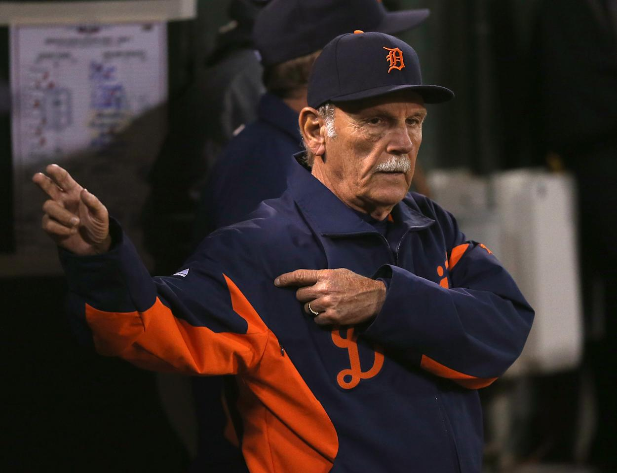 OAKLAND, CA - OCTOBER 09: Manager Jim Leyland #10 of the Detroit Tigers gestures for a relief pitcher in the seventh inning against the Oakland Athletics during Game Three of the American League Division Series at Oakland-Alameda County Coliseum on October 9, 2012 in Oakland, California.  (Photo by Ezra Shaw/Getty Images)