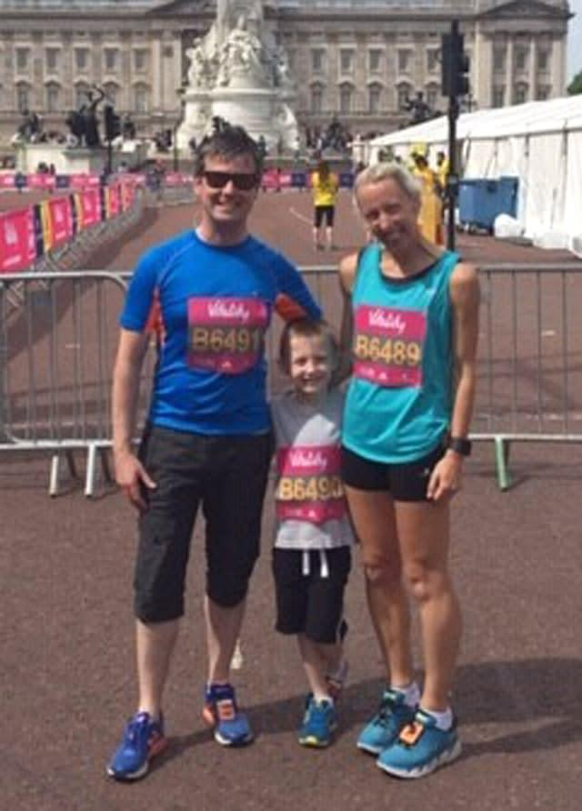 Louise Blizzard with husband Gareth and their son Alfie at the Vitality Westminster Mile in 2018 (Family handout/PA)