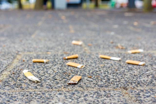 Cigarrillos en la calle (Getty).