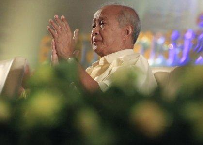 FILE PHOTO: Cambodia's Prince Norodom Ranariddh gestures during a congress of Funcinpec Party in Phnom Penh January 19, 2015. REUTERS/Samrang Pring