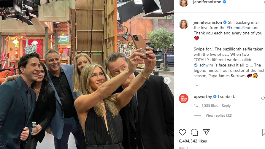 The cast of 'Friends' pose for a picture on the set of the show. (Screengrab from Jennifer Aniston Instagram)