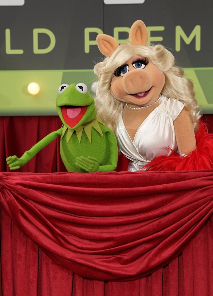 "<a href=""http://movies.yahoo.com/movie/contributor/1800019177"">Kermit the Frog</a> and <a href=""http://movies.yahoo.com/movie/contributor/1800019173"">Miss Piggy</a> at the Los Angeles premiere of <a href=""http://movies.yahoo.com/movie/1810188975/info"">The Muppets</a> on November 12, 2011."