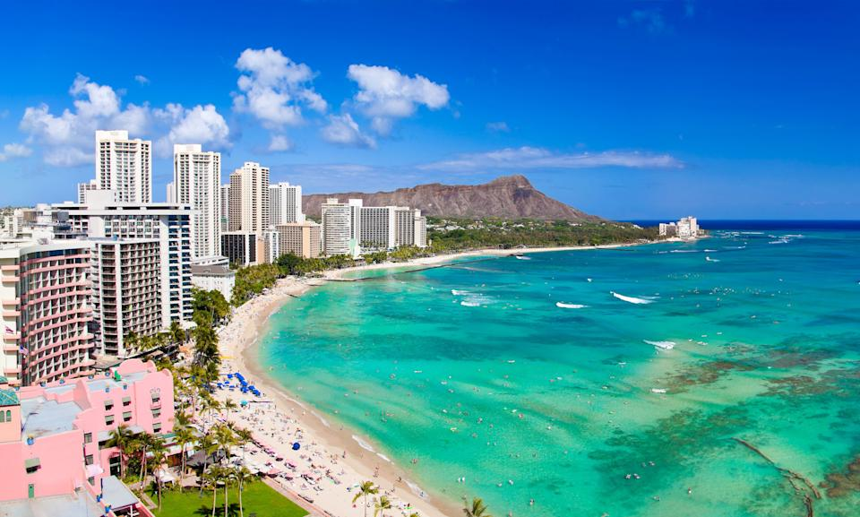 """Remote workers can apply for a <a href=""""https://www.moversandshakas.org/"""" target=""""_blank"""" rel=""""noopener noreferrer"""">program offering free trips to Hawaii</a>. (Photo: M Swiet Productions via Getty Images)"""