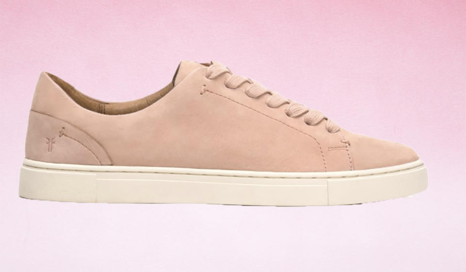 Score 80 percent off these super-soft leather sneakers. (Photo: Nordstrom Rack)