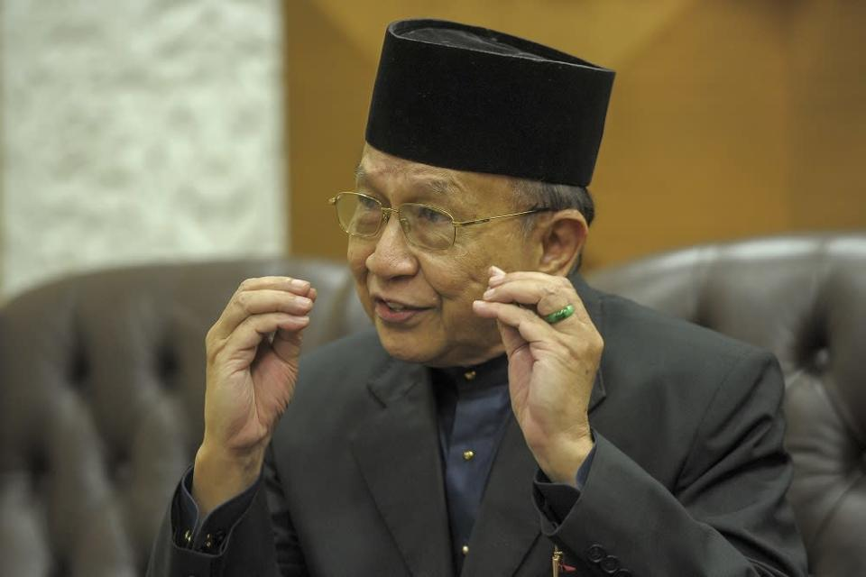 Rais had opined that the Agong was given the authority by the Emergency Ordinance 20201 to recall Parliament. ― Picture by Shafwan Zaidon