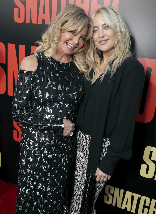 <p>Hawn and her daughter pose together. (Photo: Eric Charbonneau/Invision/AP) </p>