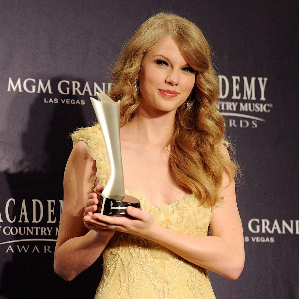 <p>In her second year of being nominated, Swift won the award, beating many prior nominees and first-timer Miranda Lambert. </p>