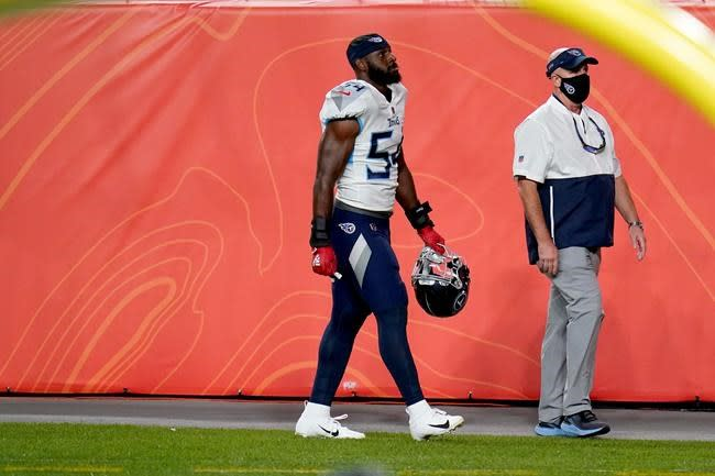 Titans linebacker Rashaan Evans ejected for throwing punch