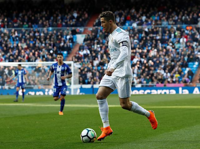 Soccer Football - La Liga Santander - Real Madrid vs Deportivo Alaves - Santiago Bernabeu, Madrid, Spain - February 24, 2018 Real Madrid's Cristiano Ronaldo in action REUTERS/Juan Medina