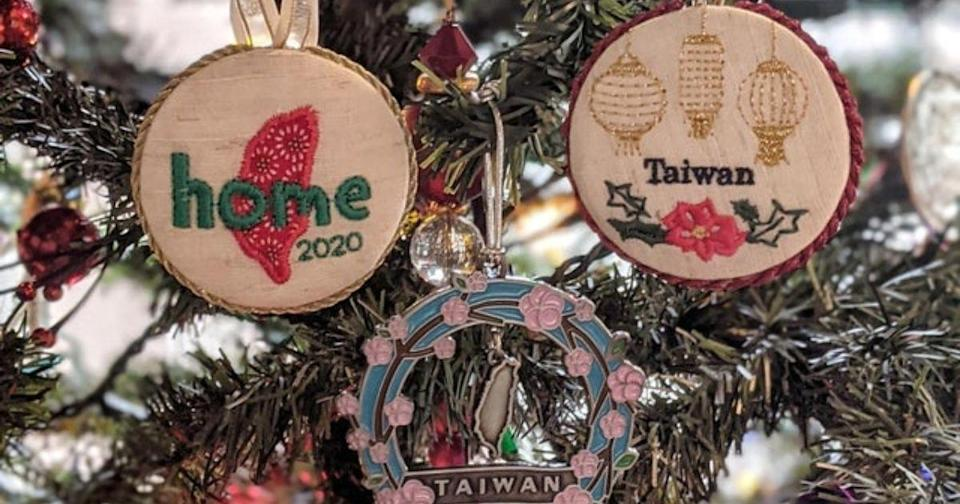 <p>Kara realized that there weren't many Christmas ornaments depicting Taiwan and so decided to make her own. (Photo courtesy of @u/karawall/Reddit)</p>