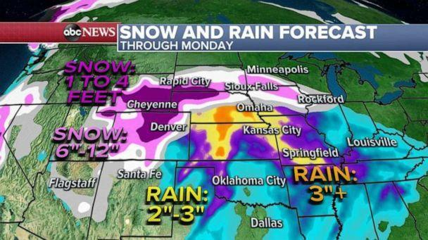 PHOTO: Locally 2 to 4 feet of snow will be possible in parts of Colorado and Wyoming. Denver itself could see at least 1 to 2 feet of snow through the weekend, possibly higher. (ABC News)