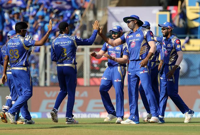 IPL 10: Mumbai Indians beat Gujarat Lions by 6 wickets, Check Full Scorecard