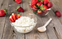 <p>You might want to put the creamy stuff down as a half cup of cottage cheese contains 0.4g of sodium. For a healthier substitute, why not try a serving of Greek yoghurt instead?<br><i>[Photo: Getty]</i> </p>