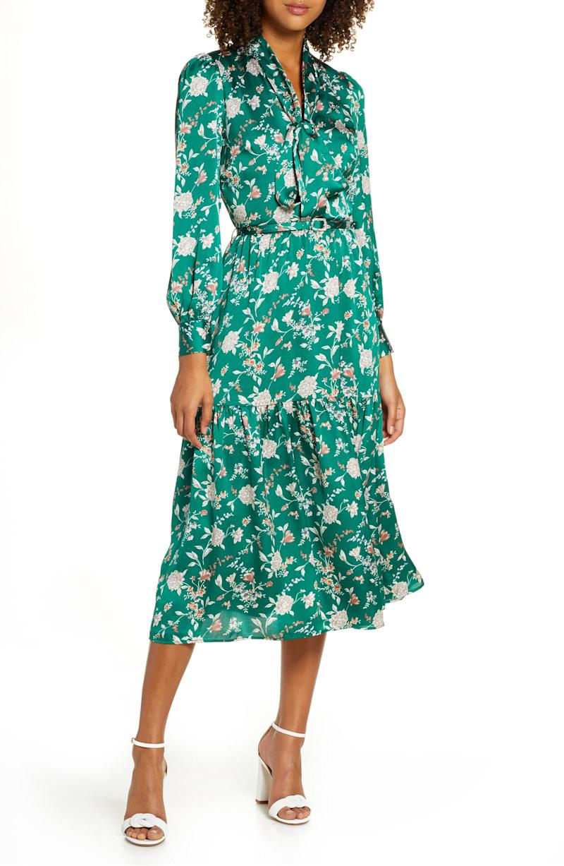 This stunning emerald floral dress is the perfect mix of classic and modern. (Photo: Nordstrom)