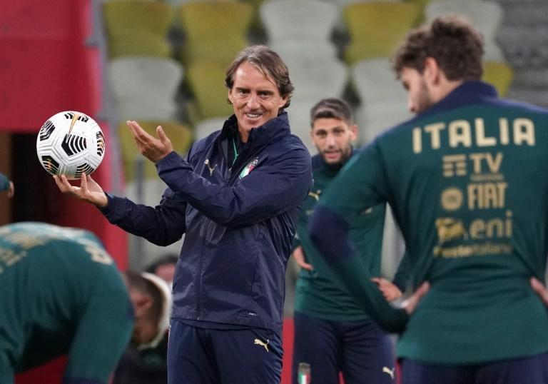 Roberto Mancini's Italy extended their unbeaten run to 22 games.