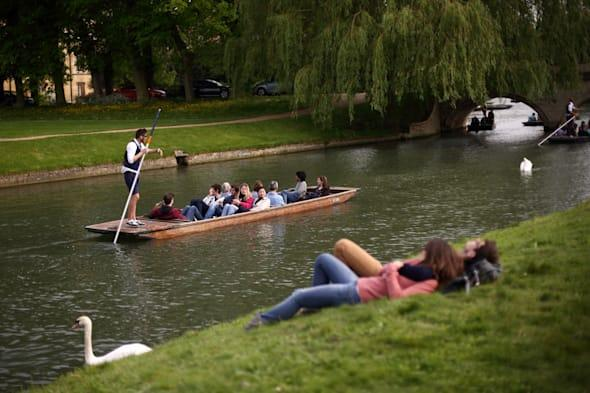 Punters Enjoy May Day Bank Holiday On The River Cam