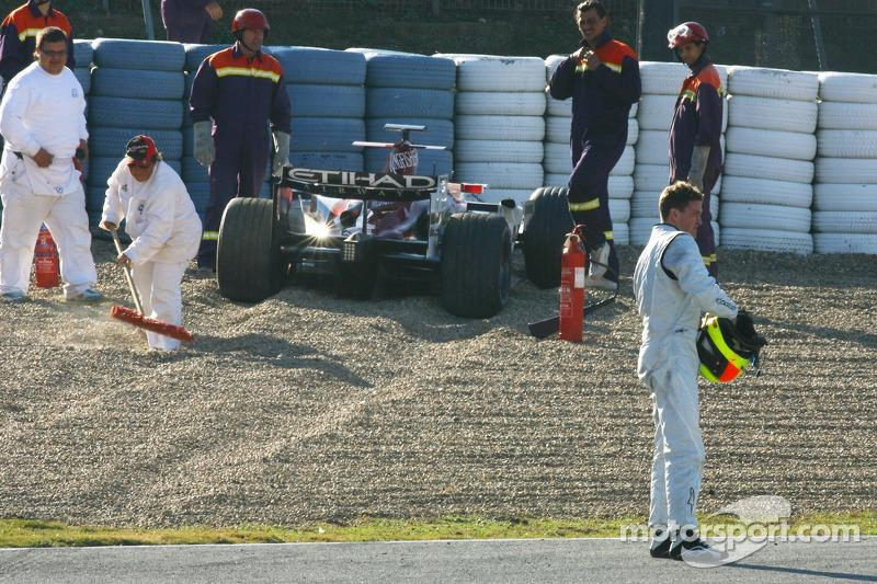 "Ralf Schumacher con el Force India F1 Team accidentado (2007)<span class=""copyright"">XPB Images</span>"