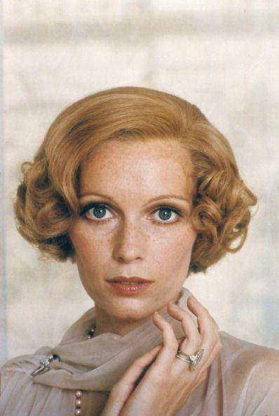 <p>While playing infamous character Daisy Buchanan, Mia Farrow sported plenty of glamorous jewels. The most eye-catching was her marquise engagement ring with diamond tapered baguettes. </p>