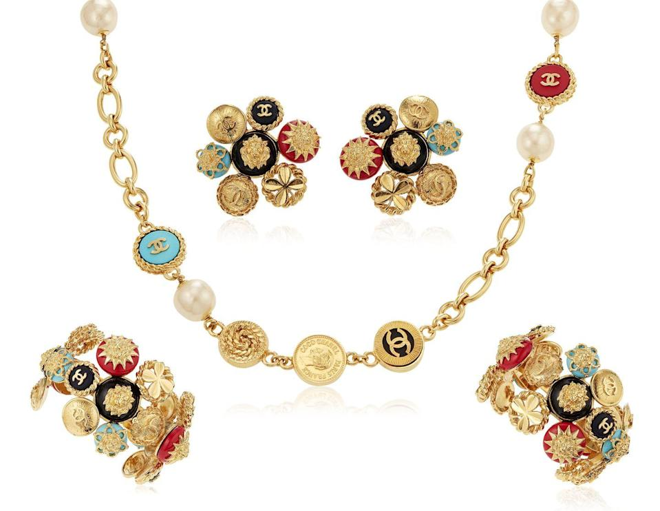 <p>This set of eclectic-chic charm jewelry is estimated to be worth $3,000 to $5,000.</p>
