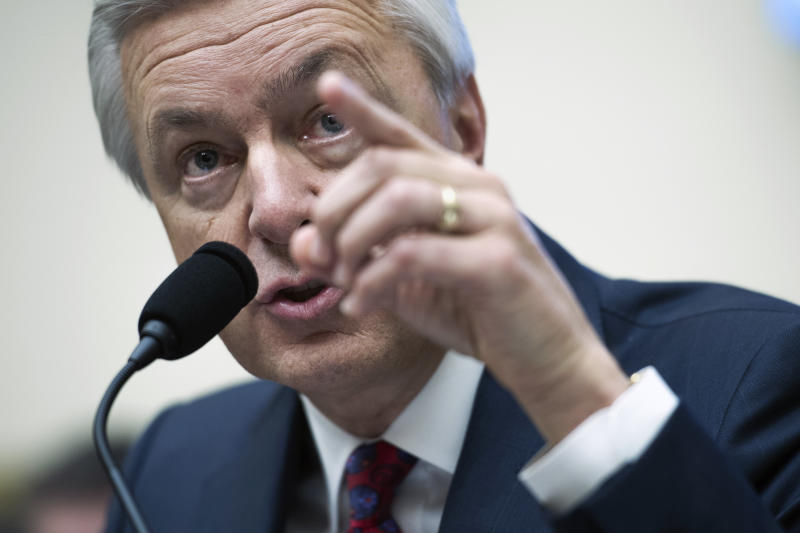 Wells Fargo CEO John Stumpf testifies on Capitol Hill in Washington, Thursday, Sept. 29, 2016, before the House Financial Services Committee investigating Wells Fargo's opening of unauthorized customer accounts. (AP Photo/Cliff Owen)