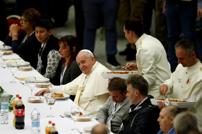 With Lasagne, Mushroom Sauce Chicken & Sweets, Pope Hosts Grand Lunch. Guess Who are the Guests