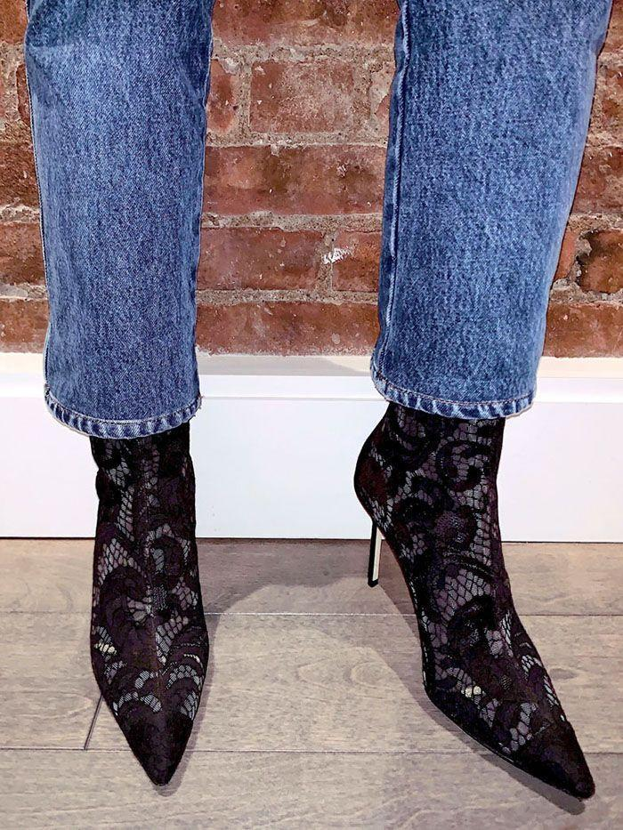 9dcba51495f75 11 Beautiful 2019 Shoe Trends to Wear With Skinny Jeans