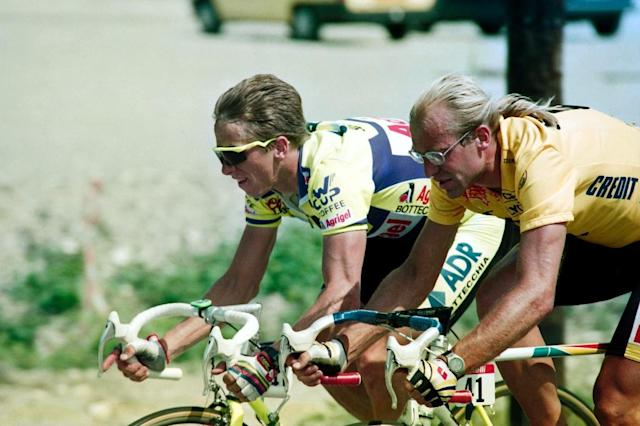 Greg LeMond (L) pipped Laurent Fignon (R) to the 1989 Tour De France two years after being shot in a hunting accident (AFP Photo/-)