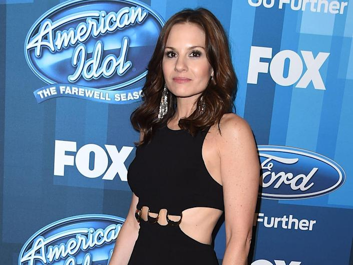 """Kara DioGuardi arrives at the FOX's """"American Idol"""" Finale For The Farewell Season at Dolby Theatre on April 7, 2016"""