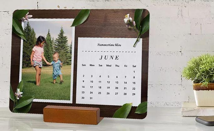 Wood Block Desk Calendar. (Photo: Snapfish)