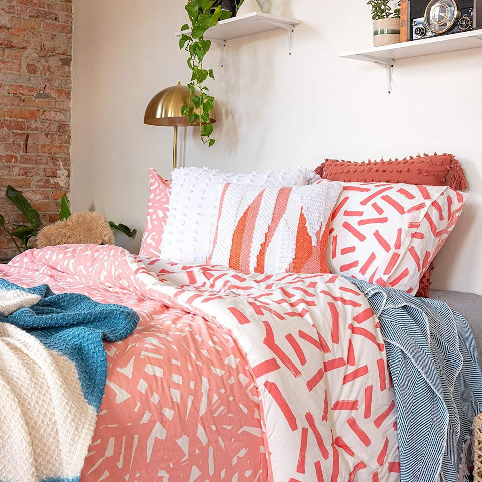 """<br> <br> <strong>Refinery29</strong> Lane Bedding Collection Reversible Cotton Comforter, $, available at <a href=""""https://amzn.to/2UZ4IBv"""" rel=""""nofollow noopener"""" target=""""_blank"""" data-ylk=""""slk:Amazon"""" class=""""link rapid-noclick-resp"""">Amazon</a>"""