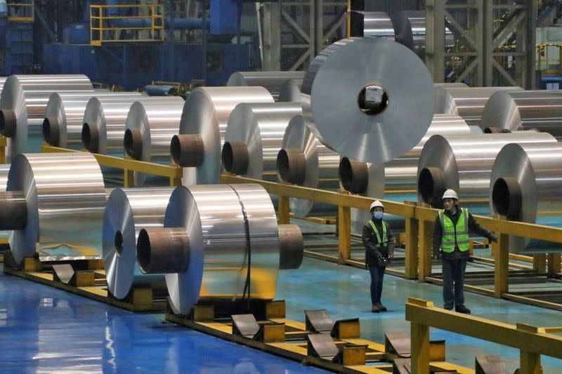 China's industrial output to grow around 5.6% year-on-year in 2019 - ministry