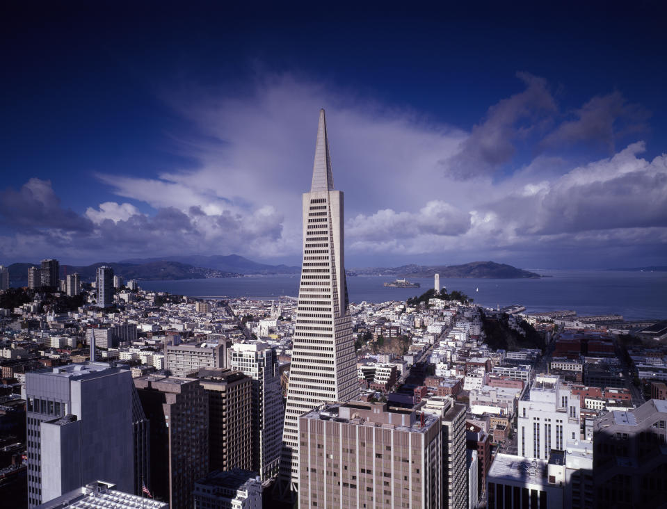 UNITED STATES - AUGUST 27:  Street-level view of San Francisco, California, with a focus on the 1972 Transamerica Pyramid (Photo by Carol M. Highsmith/Buyenlarge/Getty Images)