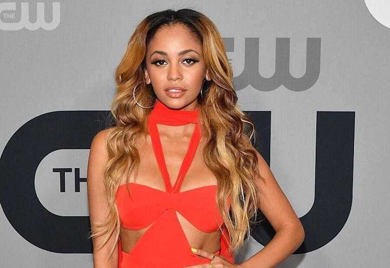 """Riverdale's showrunner responded to Vanessa Morgan's criticisms: """"She's right"""""""