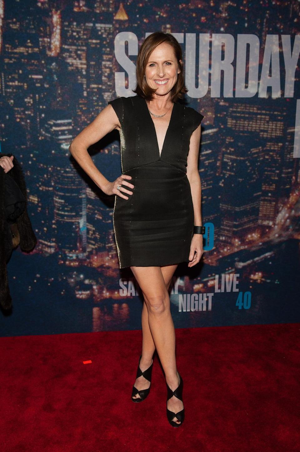 Before changing into a school girl uniform and transforming into Mary Katherine Gallagher, Molly Shannon showed up in a LBD — something her character would never be caught wearing but the 50-year-old (!) actress looked amazing in.