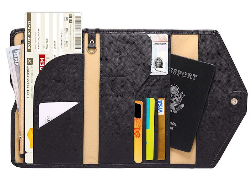 Zoppen Travel Passport Wallet. (Photo: Amazon)