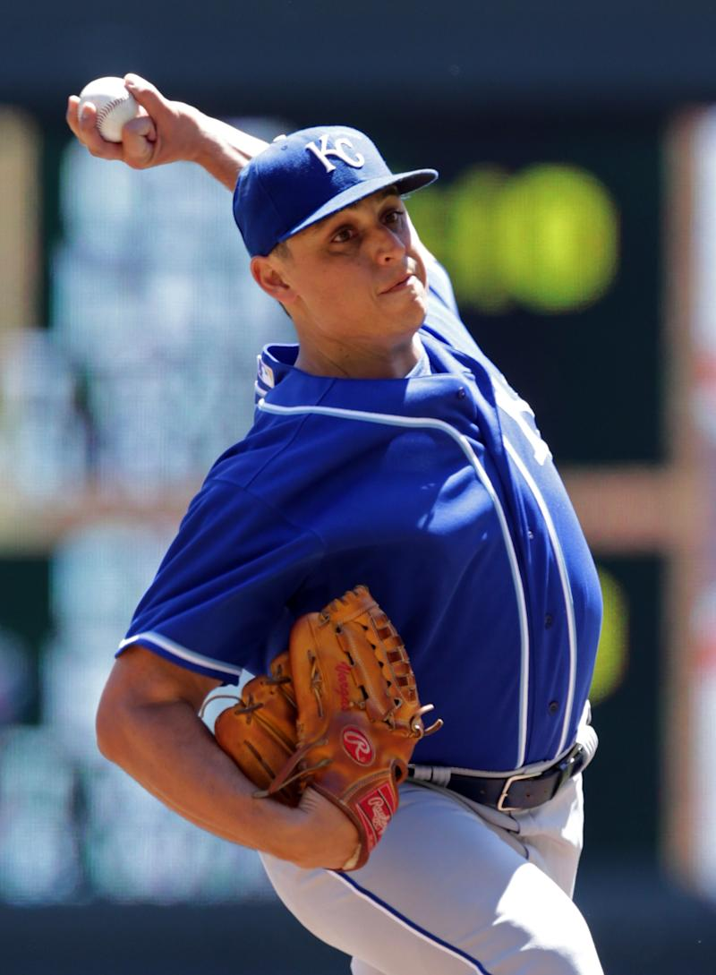 Vargas pitches Royals to victory, 4-0 over Twins